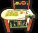 طاولة النجار الصغير وأدواته